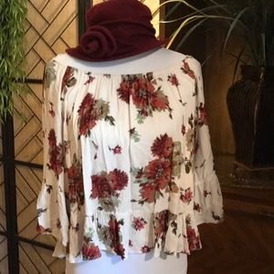 Small staccato boho floral offshoulder red grn crm